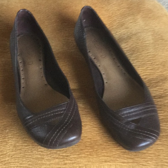 Cheap Price Michelle D Brown Pump Shies With Strap Size 7.5 New Without Box Heels